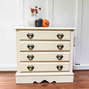Chest of Drawers Makeover Cheesecake, Pocket Watch metallic cream and Natural Wax